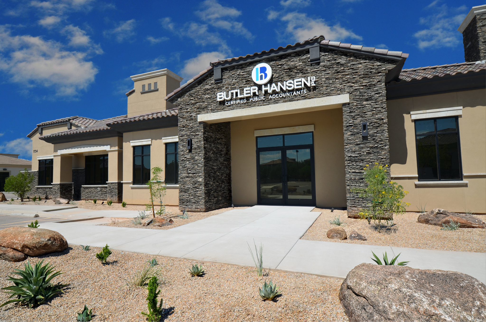 Financial company office building contractors in Gilbert, AZ